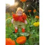 WIT.A46100 Набор для изготовления вальдорфской куклы DE WITTE ENGEL Календула h=12см