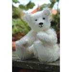WIT.A53200 Набор для изготовления вальдорфской игрушки DE WITTE ENGEL Белый медвежонок h=18см