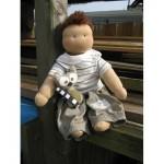 WIT.A71300 Набор для изготовления вальдорфской куклы DE WITTE ENGEL Мальчик Люк h=28см